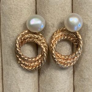 Jewelry - Petite Fresh Water Pearl and Gold Rope Posts